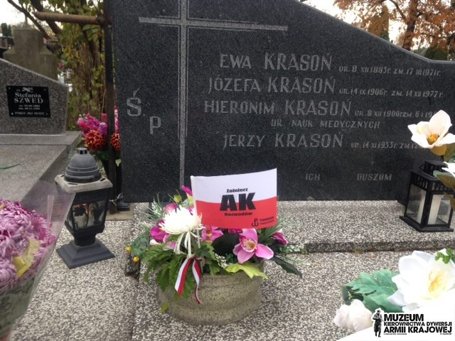 Grób dr Hieronima Krasonia na Cmentarzu Parafialnym w Stalowej Woli - Rozwadowie.